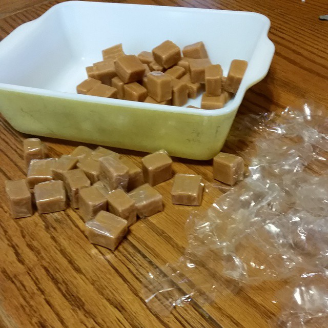 Unwrapping carmels..will it ever end? #joscountryjunction