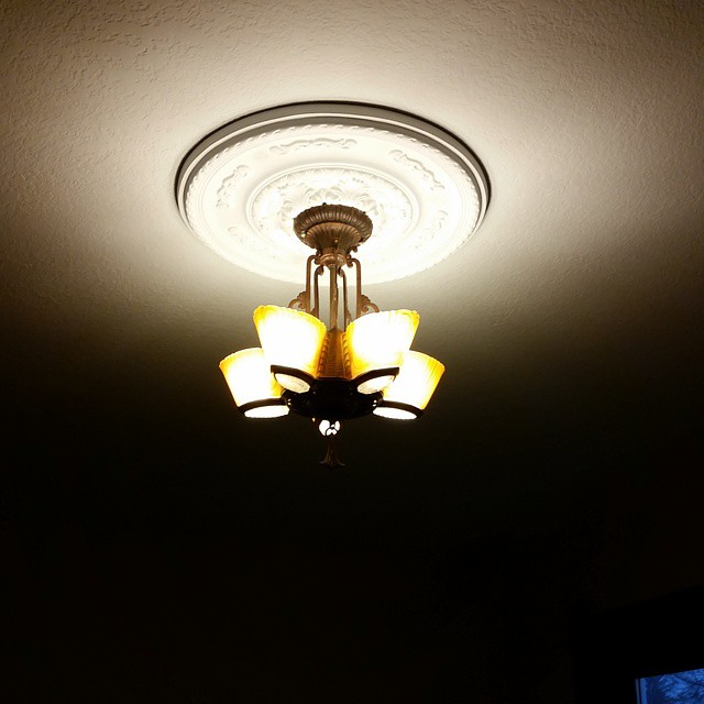 This is my awesome vintage light from my brother and sis-in-law.  We Love it!!!!! #joscountryjunction @hello_mrs_johnson