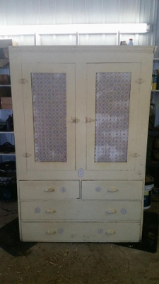 Yellow Cupboard 1 (225x400)